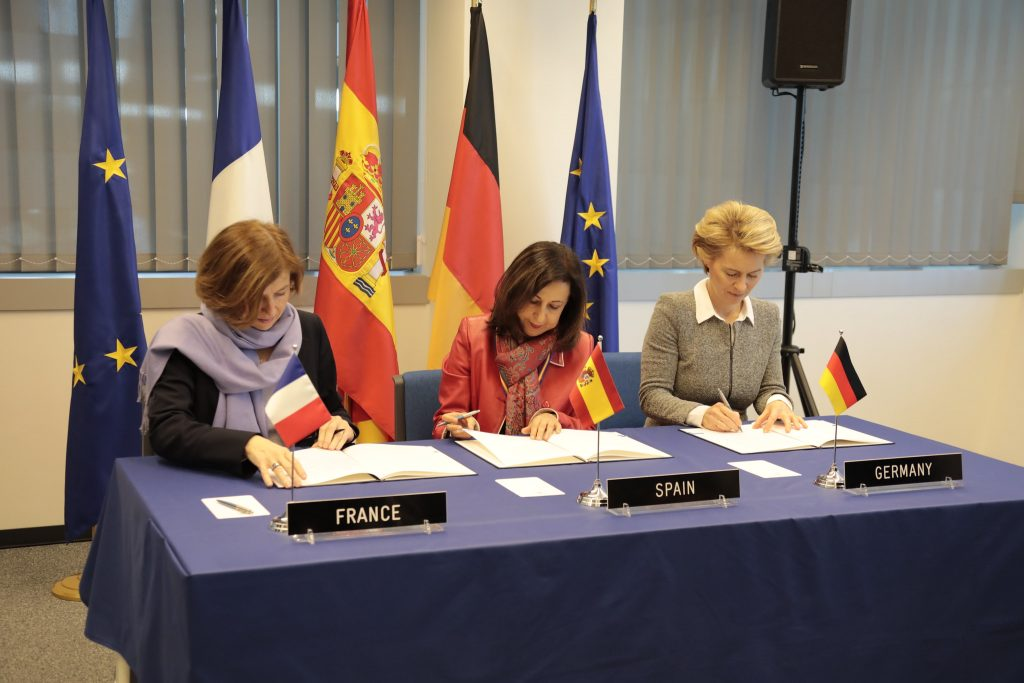 Defence Ministers of Spain (Margarita Robles), France (Florence Parly) and Germany (Ursula von der Leyen), during the signature of a letter of intent about Spain's integration in the French-German cooperation on the FCAS (14 February 2019). - Spanish Ministry of Defence.